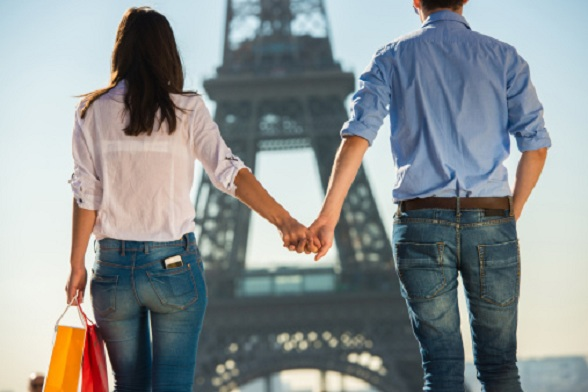 http://www.gettyimages.com.au/detail/photo/young-couple-strolling-in-front-of-eiffel-tower-royalty-free-image/482171769?et=wbIvY7trQvVaBpfHGVI7mA